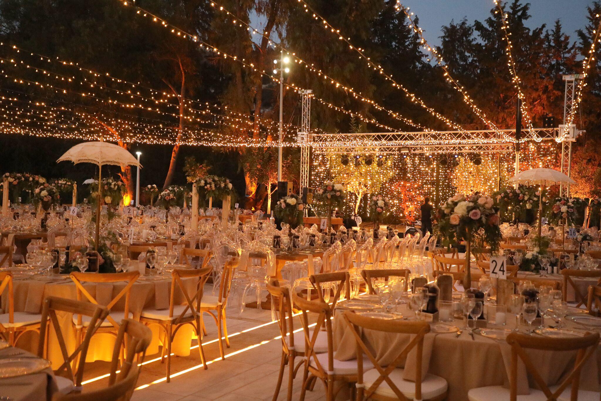 323f16b3f725 Ένας γάμος πολύ διαφορετικός και γεμάτος χρώματα έγινε το περασμένο Σάββατο  στην Πάφο και πιο συγκεκριμένα σε ημιορεινό χωριό της Πάφου.